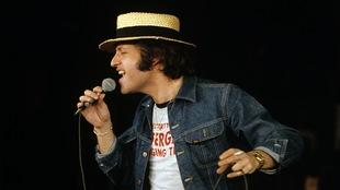 Joe Dassin en répétition à l'Olympia, en février 1974