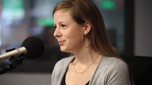 Photo de Lara Émond, en studio