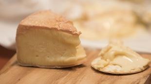 Gros plan sur quelques fromages sélectionnés par la critique gastronomique Lesley Chesterman.
