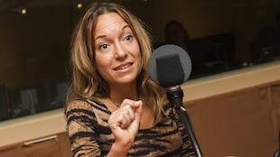 Marie-Ève Morin au micro de Catherine Perrin