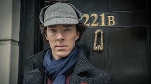 Benedict Cumberbatch dans le rôle de Sherlock Holmes dans la série <em>Sherlock</em>, crée par Mark Gatiss et Steven Moffat