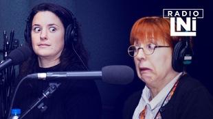 Photo de Virginie Fortin qui regarde avec des yeux surpris Chantal Lamarre qui fait une grimace.