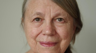 Un portrait de Sandra Semchuk.