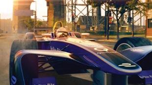 Une voiture électrique sous le pont Jacques-Cartier à Montréal.