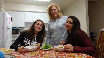 Difficile de percer le marché de l'emploi en Alberta pour les réfugiés syriens