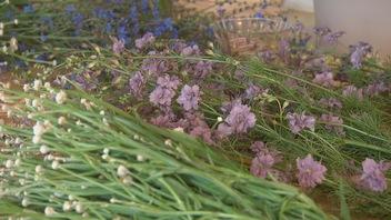Paniers de fleurs coupées