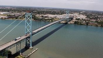 Le pont Ambassador en six temps