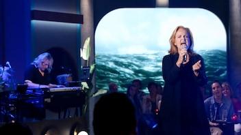 Un karaoké avec Marie-Denise Pelletier à <em>Bonsoir bonsoir!</em>
