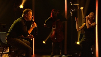 Jean-François Breau et Marie-Mai chantent <em>Say Something </em>pour Guy Jodoin<em> </em>