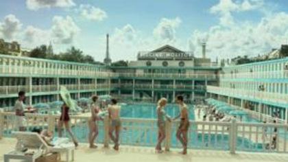 ARTE revisite la piscine au cinéma