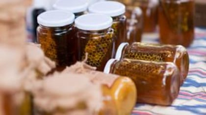 Le miel local, un remède efficace pour les allergies?
