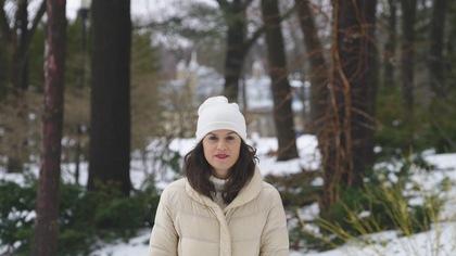 Catherine Mercier dans le parc du Bois-de-Coulonge.