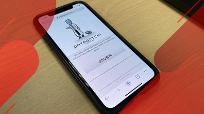 Un téléphone intelligent sur lequel apparaît l'appli Datagotchi.