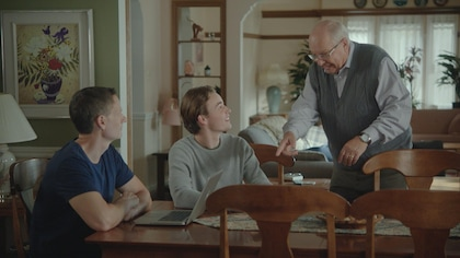 Une scène de la série Discussions avec mes parents.