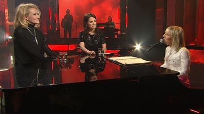 Ingrid St-Pierre chante  Tue-moi  pour Élise Guilbault