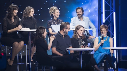 Des personnalité télé sur le plateau de l'émission En direct de la rentrée en compagnie de France Beaudoin.