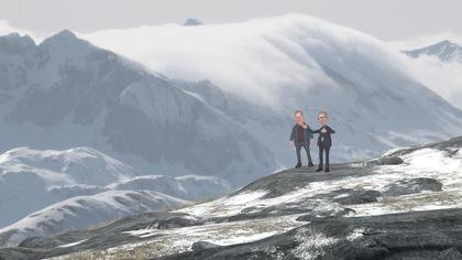 Paul Arcand et Jean-François Lisée sur une montagne.