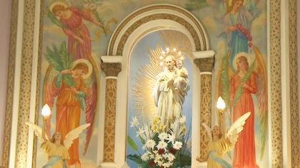 Iconographie religieuse dans une église.