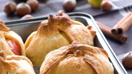 La recette d'enfance de bourdons aux pommes, bleuets et caramel à l'érable de Jean-Luc Boulay