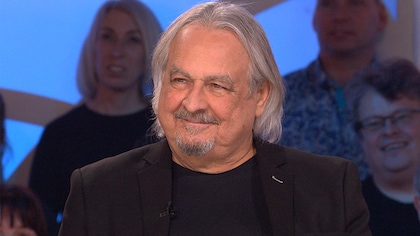 Raymond Bouchard sur le plateau des Enfants de la télé.