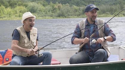 Martin Petit en train de pêcher dans sa chaloupe