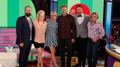 Les invités, les échangistes et l'animatrice prennent la pose sur le plateau de l'émission.
