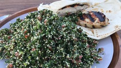 Sandwich au poulet grillé et taboulé