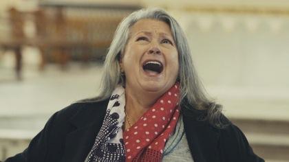 Ginette Reno chante a capella à l'église Immaculée-Conception