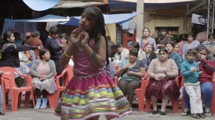 Portrait croisé d'enfants de plusieurs pays dont les mères sont incarcérées.