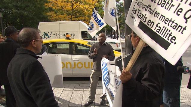 Uber: Québec précise ses exigences