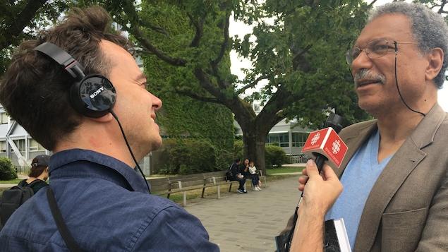 Daniel Pauly, biologiste et professeur à l'Université de la Colombie-Britannique en entrevue avec Arnaud Decroix, animateur de l'émission radio, Les samedis du monde.