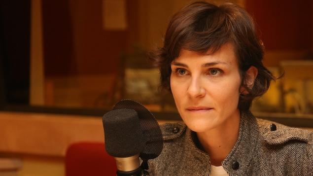Une photo de Dominique Leclerc dans le studio de La sphère.