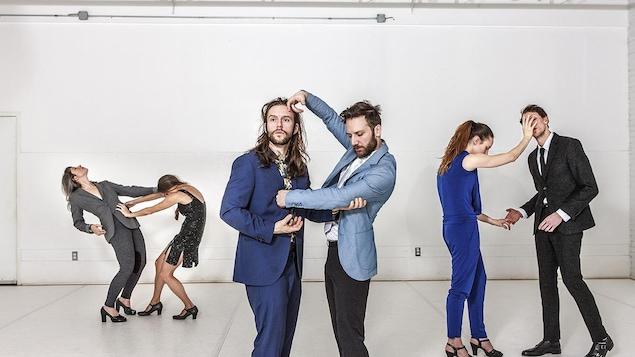 Photo de danseurs qui interprètent Some Hope for the Bastards, oeuvre de Frédérick Gravel présentée au FTA 2017