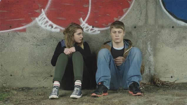 Sophie Nélisse et Antoine Olivier Pilon dans 1:54 de Yan England     Photo : 154-lefilm.com