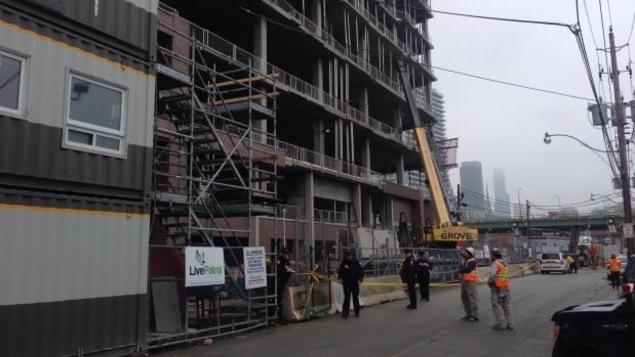 Photo de la tour en construction