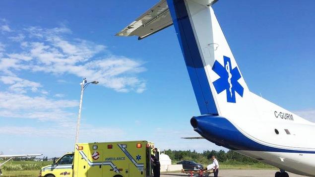 Transfert de patient avec l'avion-ambulance