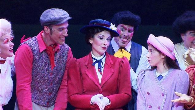 Une scène de la comédie musicale « Mary Poppins »