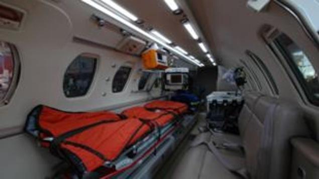 L'intérieur d'une ambulance aérienne