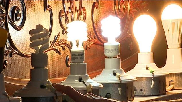 Des ampoules fluocompactes et D. E. L.