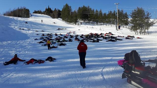 Les anges dans la neige au mont Ti-Basse à Baie-Comeau