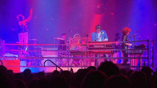 Le groupe Arcade Fire s'est produit au Centre Bell dans le cadre de sa tournée « Infinite Content ».
