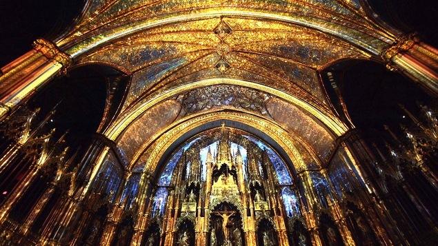 AURA, une projection signée par Moment Factory à la basilique Notre-Dame de Montréal