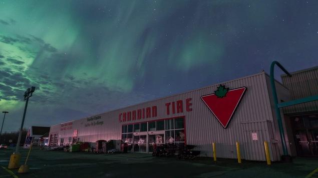 L'aurore boréale a illuminé le ciel de Kapuskasing.