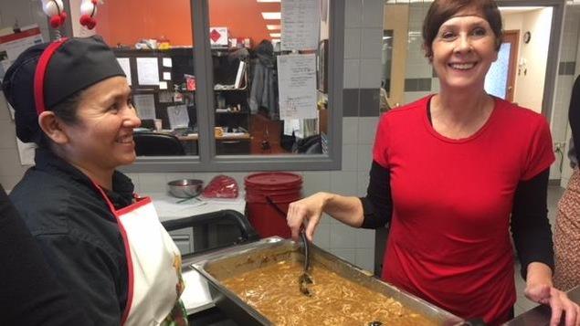 Des bénévoles de la Popote roulante de Sherbrooke