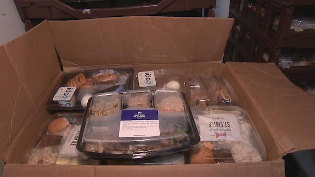 Les boîtes à lunch seront remises aux personnes qui fréquentent l'organisme Lauberivière.
