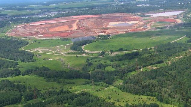 Le site actuel de résidus de bauxite près du complexe Jonquière