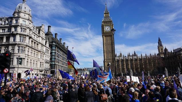Les réactions des dirigeants et politiques européens affluent, florilège — Déclenchement du Brexit