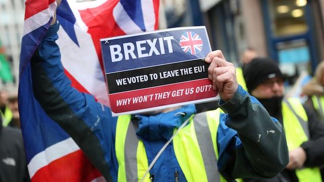Une manifestation en faveur du Brexit a eu lieu dans le centre de Londres, au Royaume-Uni, le 12 janvier 2019.