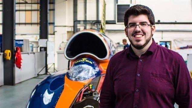 Carl Perron, étudiant en génie aérospatial à Polytechnique Montréal, originaire de Sept-Îles et passionné de robotisation.