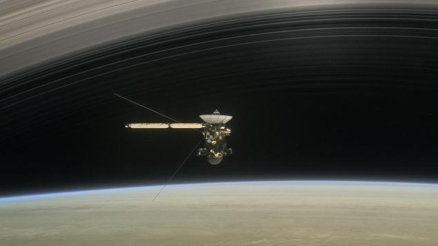 La sonde Cassini, entre Saturne et ses anneaux